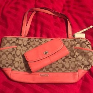 Used coach purse and wallet!